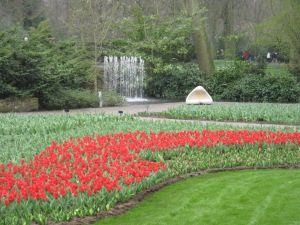 Beautiful strolling in Holland's Keukenhof Gardens